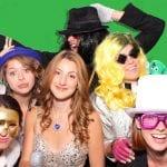 photo avec fond vert lors d'un party a quebec